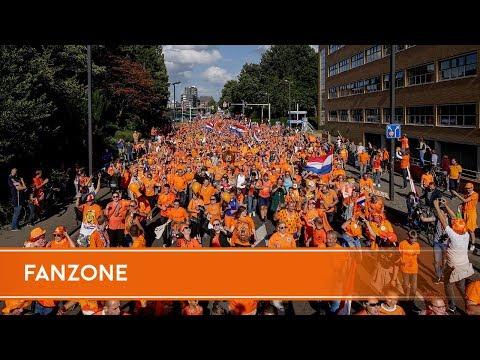 Oranje Fanzone en Oranjeparade Enschede - deel I