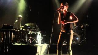 Poliça - Lay Your Cards Out (Live @ Shepherd