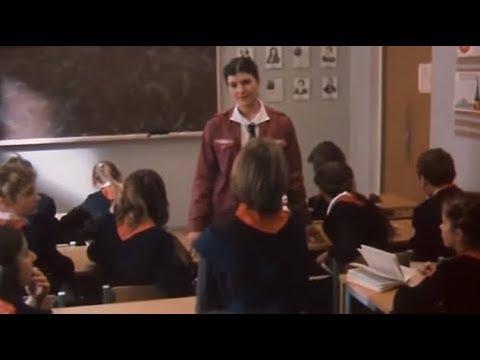 Ютуб смешные сценки на выпускной урок физики