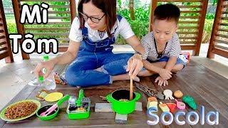 Trò Chơi Ăn Mì Tôm Trộn Trứng Socola ❤ BonBon TV ❤ Bé Ăn Mì Tôm