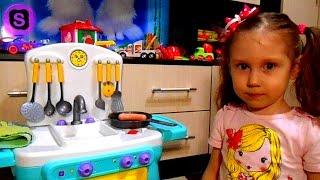 Детская кухня с приборами распаковка детской кухни Kitchen rise and shine children's kitchen(Детская кухня с приборами распаковка игрушечной кухни игрушки Kitchen rise and shine children's kitchen https://www.youtube.com/watch?v=V9buMCi..., 2016-04-28T15:28:11.000Z)