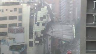 台風21号の突風、大阪市内でビルの覆いが崩れる thumbnail