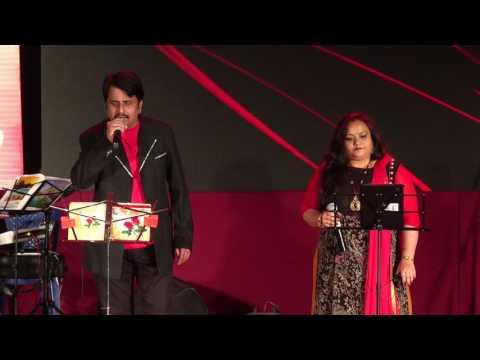 Aate Jaate Haste Gaate-By Usha Umesh and Srinivas Murthy(Concert By Mayiur Music Entertainers)
