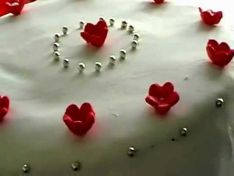 Hochzeitstorte Zuckerveilchen Weddingcake Perlen Sugar Violets