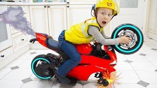 قصة ممتعة على عجلة مكسورة على دراجة صغيرة