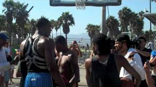 Repeat youtube video Venice Beach Baller Tries to Block Dwight Howard's Dunk