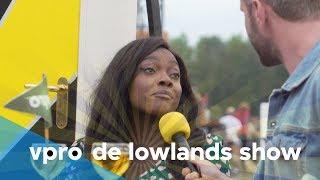 Iris van Lunenburg en Tim in De Lowlands Show - Afl. 8/8