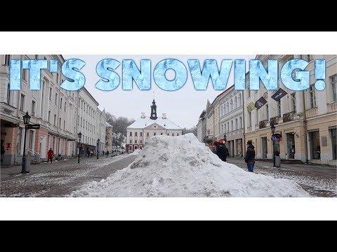 It's SNOWING!!(In Estonia) | Travel Vlog #16