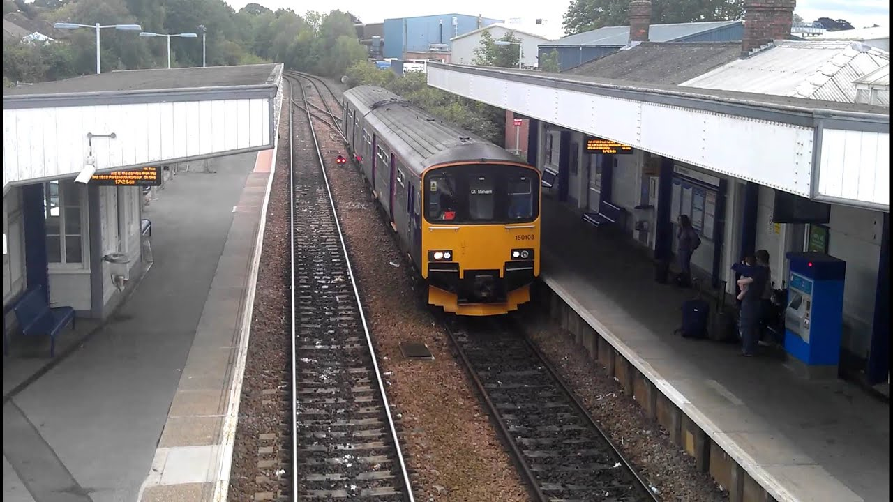 FGW Class 150 150108 arrives at Warminster Railway Station