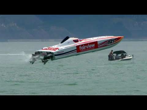 Napier 2020 Offshore Powerboat Race in slow motion