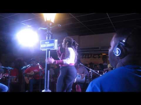 Grupo To Sambando part Gby Moura diretamente do The Voice Brasil Ao ...