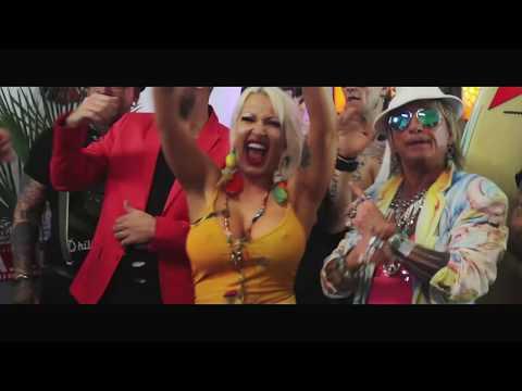 Ginger Costello-Wollersheim - Ananassaft (Offizielles Video)