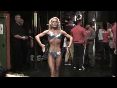 Jasmin Drumas - Deutsche Meisterin Frauen Fitness NAC 16.11.2013 - Team SUNPOWER