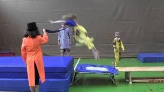 """Clown-Akrobatik - """"Traumfänger"""" 2014"""