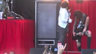 Скачать Asking Alexandria Break Down The Walls Live Mayhem Festival 2014