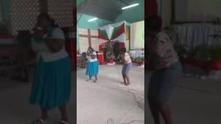 Kwaya ya talanta Upanga ikiabudu,
