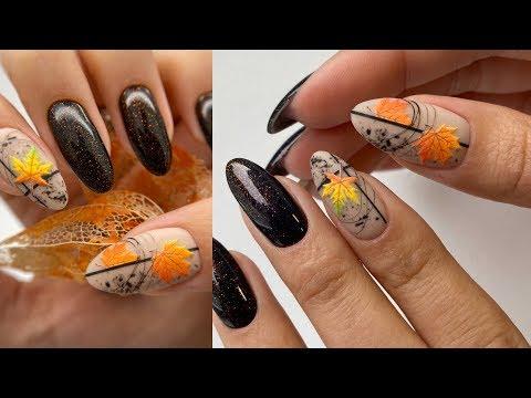 Осенний шедевр на ногтях. Яркие кленовые листья с паутинкой. Красивый маникюр.
