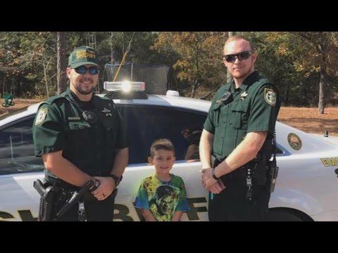 Little Boy Calls 911 to Invite Sheriff's Deputies to Thanksgiving Dinner