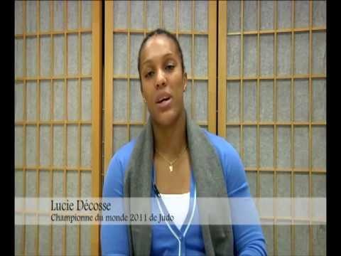 """Lucie Décosse, préfacière du livre """"L'Année du Sport Féminin 2011"""""""