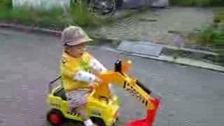 Phim Hoat Hinh | Chau di xe can cau | Chau di xe can cau