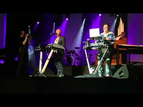 Howard Jones Live - What is Love?