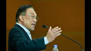 Anwar: I wasn't invited to Azmin's meeting with MPs
