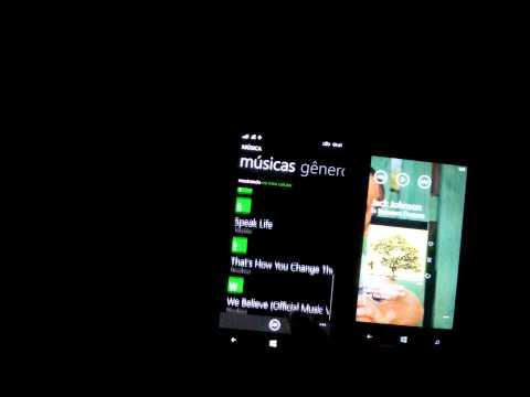 Lumia 930 vs Lumia 720   Xbox Music vs Music+Videos