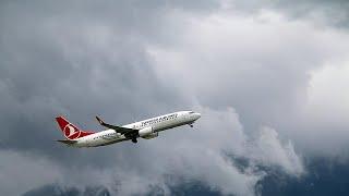 شاهد: لحظات الرعب والدمار على متن رحلة للخطوط الجوية التركية بسبب إضطرابات جوية …