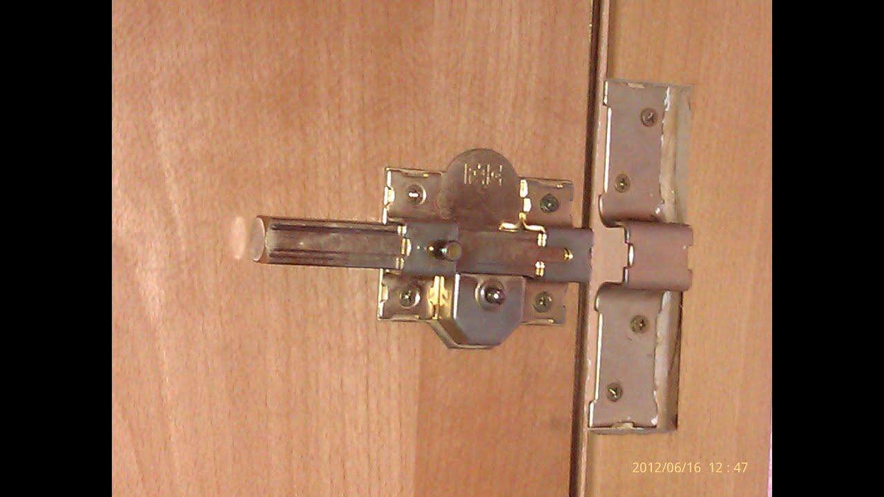 Como poner un cerrojo de seguridad en una puerta de - Como colocar puertas correderas ...