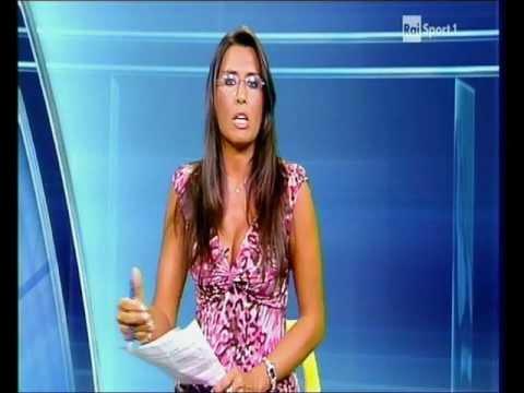 Simona Rolandi Tg Rai Sport 25 Agosto 2011 - YouTube