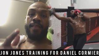 Jon Jones Training For His Rematch Against Daniel Cormier For The UFC Light Heavyweight Championship