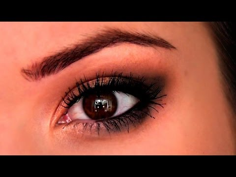 Beginners Eye Makeup Tutorial | TheMakeupChair