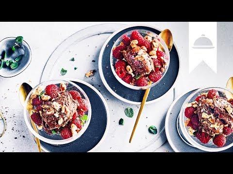 Mousse Au Chocolat Rezept I Dessertklassiker Mit Himbeeren Und
