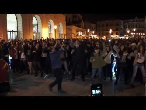 GANGNAM STYLE BARI HD - Flash Mob