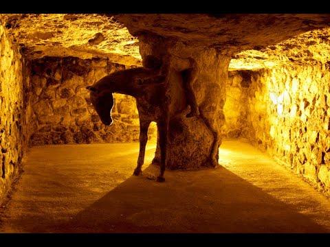 Budavári Labirintus -  Labyrinth of Buda Castle 1983-2011  (english)