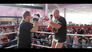 THE MACK IS BACK! - TYSON FURY INCREDIBLY BATTERS THE PADS IN JUST HIS PANTS! / FURY v SEFERI
