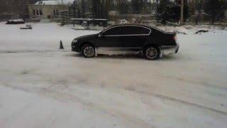 Борьба с сносом автомобиля зимой. упражнение (круг) контраварийная подготовка водителей в Киеве<