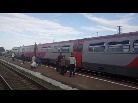 Рельсовый автобус РА2 031 с пригородным поездом № 6908 Новозыбков   Унеча на станции Клинцы