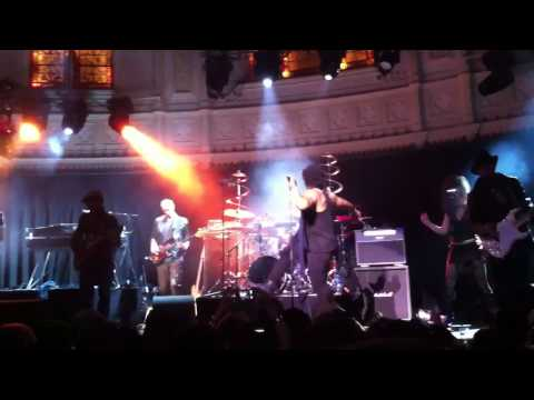D'Angelo-Sugah Daddy_Live@Paradiso Amsterdam Feb 9th-2012