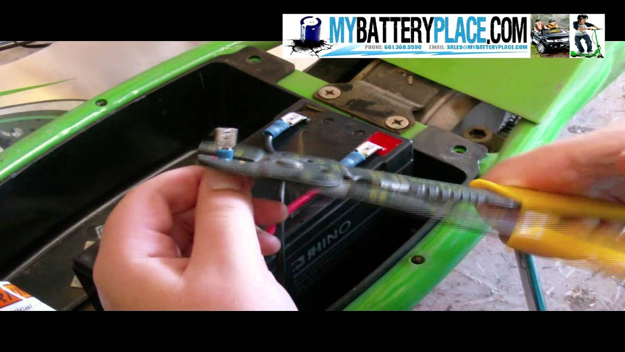 maxresdefault how to change razor scooter batteries youtube razor pocket mod battery wiring harness at readyjetset.co
