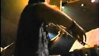 1986年9月3日or4日 at 青山円形劇場。『Bob』収録曲の元になった演奏です。