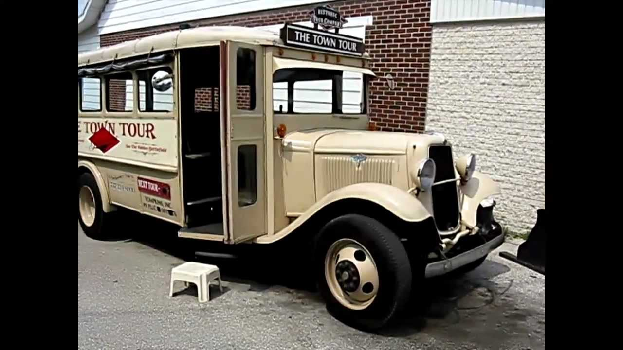 VINTAGE 1930s FORD BUS in SERVICE - Aug 2010