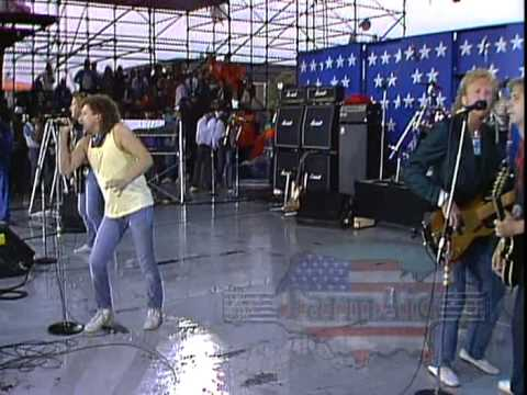 Download Foreigner - Hot Blooded (Live at Farm Aid 1985)