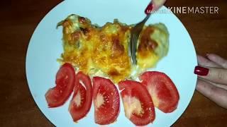 рыба (хек)под сметанно - сырным соусом