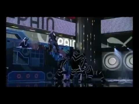 Chris Brown - Kiss Kiss (live).flv