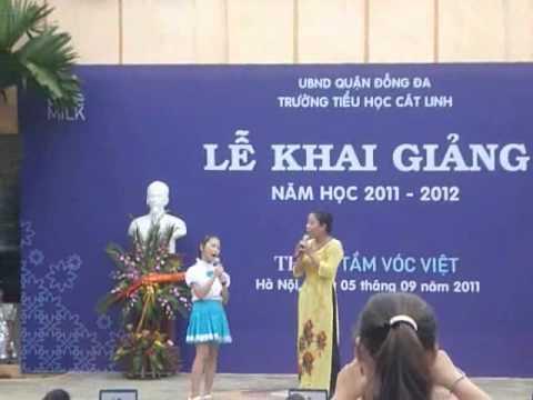 Trích Văn nghệ chào mừng Lễ khai giảng năm học mới 011-012- THCL.wmv