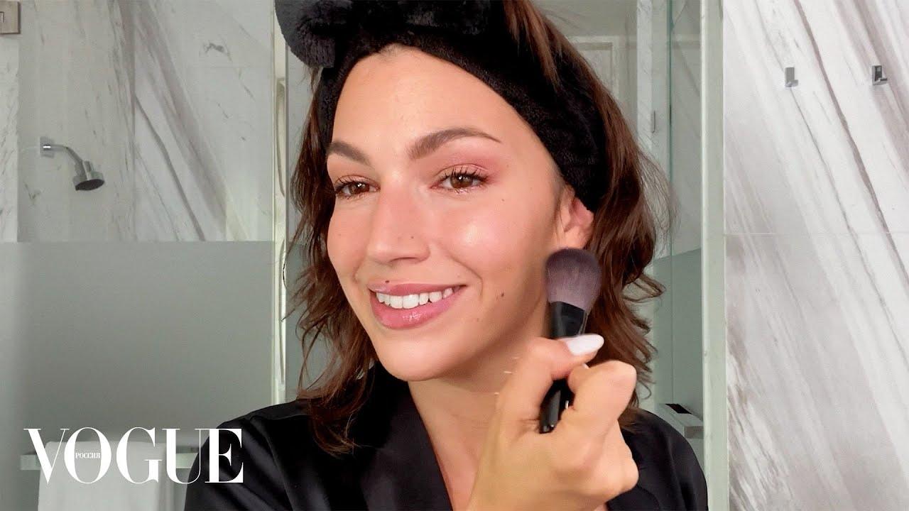 Урсула Корберо Бумажный дом показывает макияж в розовых тонах  Vogue Россия