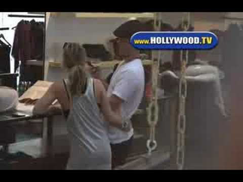 Hilary Duff Shops Friday Afternoon thumbnail