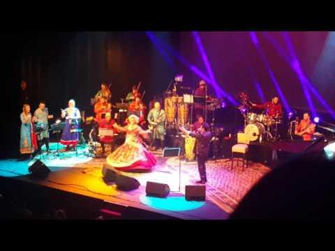 Kumar Sanu Karin Bloemen live @ Carre Amsterdam 2016 - Tujhe Dekha