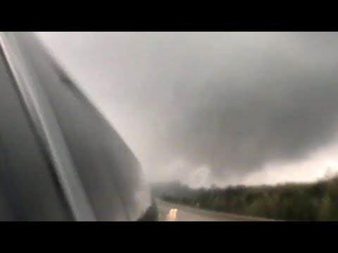 Arkansas tornado traps people in their homes